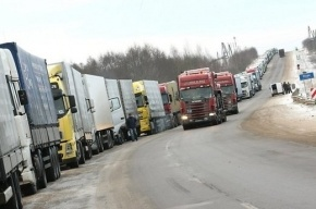 Введение платных дорог в России привело к очередям грузовиков на границе с Белоруссией