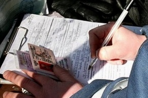 Водителей, которые задолжали 10 тыс. руб. по алиментам или штрафам, лишат прав