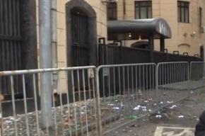 Посольство Турции в Москве закидали камнями и яйцами