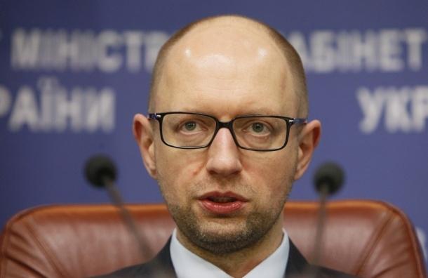 Яценюк предложил включить электроснабжение в Крыму