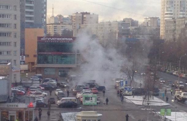 Кипяток залил машины возле метро «Академическая»