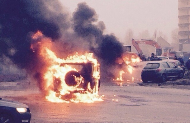Нападавшие на полицейских в Петербурге были в масках и камуфляже