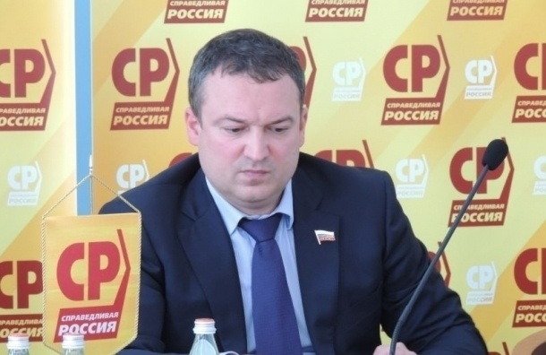 Петербургские депутаты просят Нарышкина лишить Ванчугова мандата