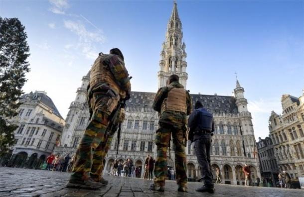 Полицейских Брюсселя подозревают в оргии с солдатами во время поиска террористов