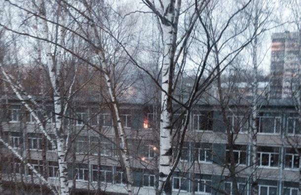 Гирлянда стала причиной пожара школы на Софьи Ковалевской
