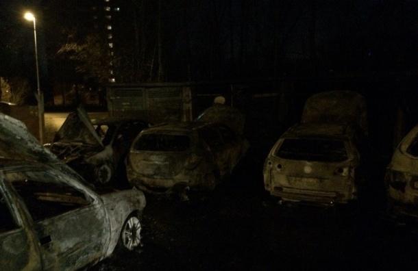 Больше 10 машин сгорело за минувшую ночь