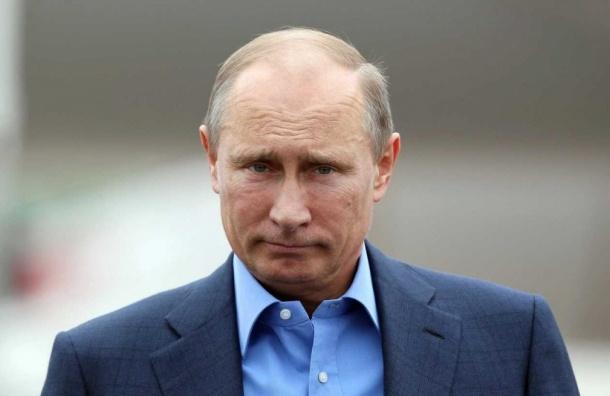 СМИ: Чиновникам на Новый год Кремль подарил цитатник Путина