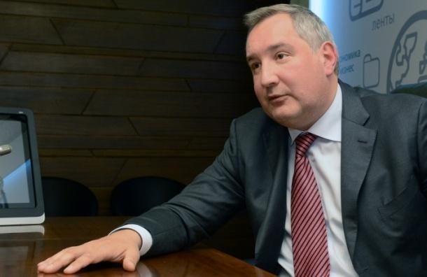 Вице-премьер Дмитрий Рогозин выстрелил себе в ногу в тире