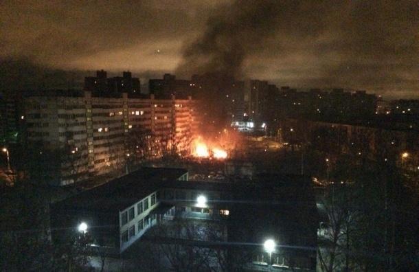 Крупный автомобильный пожар произошел на Маршала Жукова