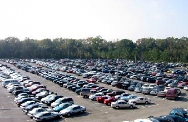 Продажи автомобилей в ноябре рухнули на 42,7
