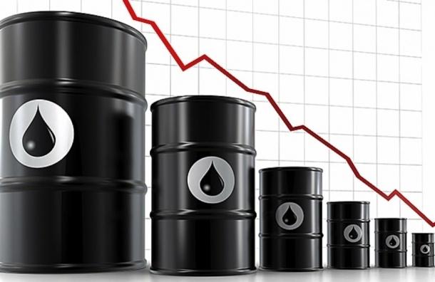 Эксперт: В начале 2016 года цены на нефть могут опуститься до $16 за баррель