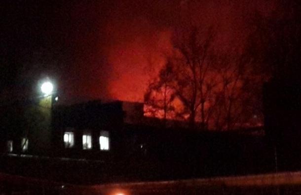 МЧС назвало причину ночного возгорания на Василеостровской ТЭЦ