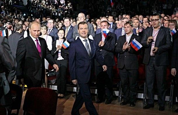 Медведев потерял статус политика номер 2 на ТВ