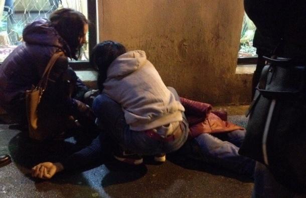 Очевидцы: Возле кафе на Синопской порезали человека
