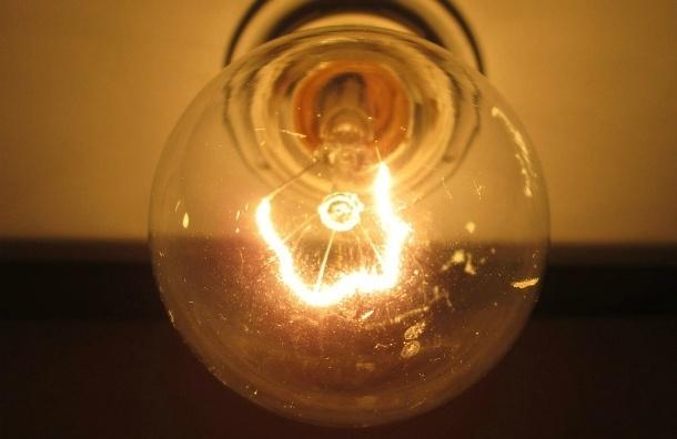 Киев начал подавать электричество в Крым