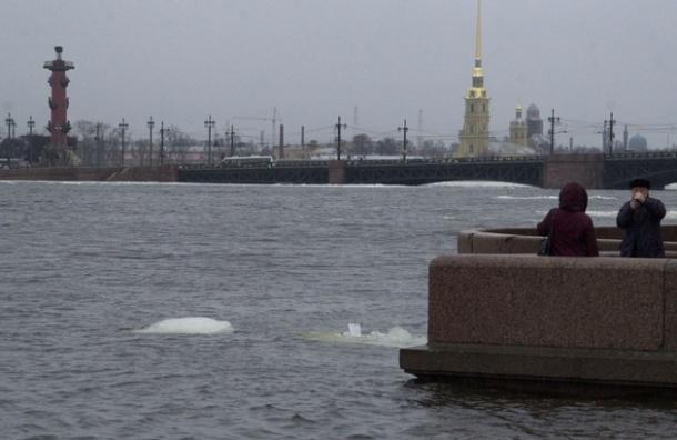 Петербургскую дамбу закроют из-за угрозы наводнения