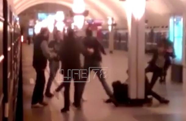 Массовая бойня на «Ладожской» попала на видео