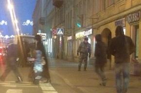 Полиция оцепила остановку на Садовой из-за бесхозного чемодана