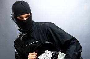 Грабители вынесли из «Петроэлектросбыта» на Невском 1,3 млн рублей