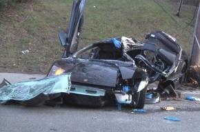 Элитный Lamborghini разбился, врезавшись в телефонный столб
