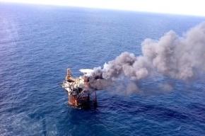 СМИ: 32 рабочих погибли при пожаре на нефтеплатформе в Каспии