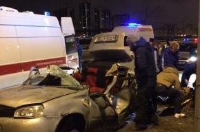 Lada «обняла» столб по дороге в Лахту