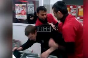 Персонал «Магнита» в Петербурге избил неадекватного вора, укравшего сникерс