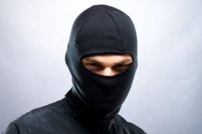 Преступники в масках связали скотчем семью и украли миллион в садоводстве в Ленобласти