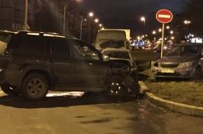 Водитель на «Тойоте» устроил на Дунайском боулинг с припаркованными машинами