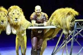 Дрессировщика «Принца Египта» хотели всю ночь продержать в УФМС, но он пожаловался на сердце
