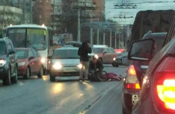 Велосипедиста сбили возле парка «Сосновка»
