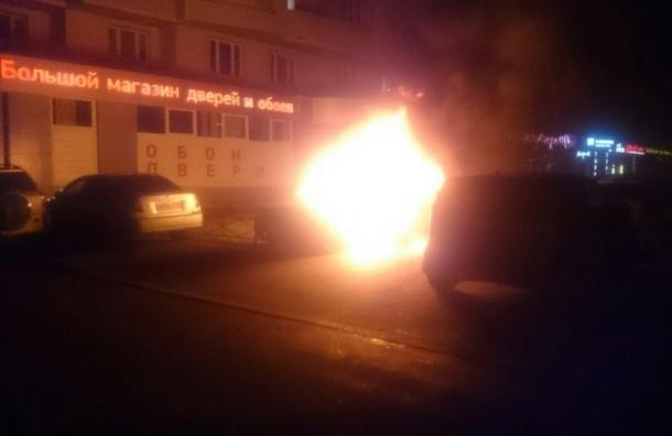 Массовый автомобильный пожар произошел на Маршала Жукова