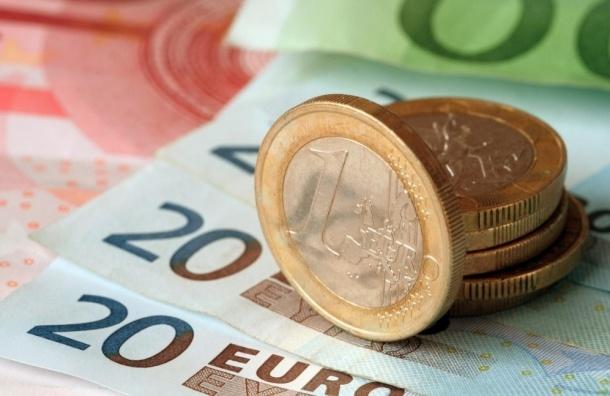 Евро впервые с августа достиг отметки в 80 рублей