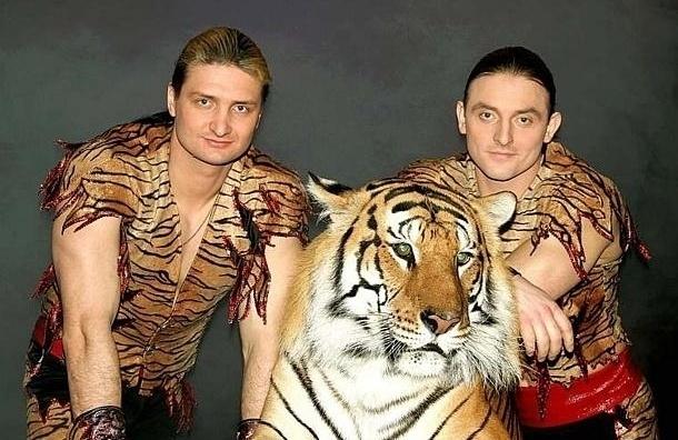 Братья Запашные  готовы забрать выжившего в ялтинском зоопарке тигренка