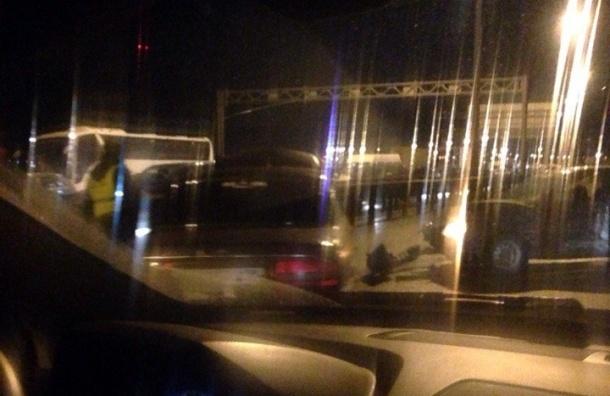 Серьезная авария привела к многокилометровым пробкам на КАД