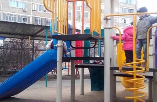 Во время прогулки в детском саду Новосибирска погибла трехлетняя воспитанница