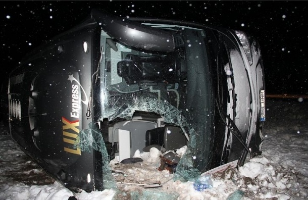 Автобус Рига-Петербург перевернулся в Эстонии