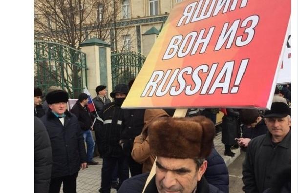 Грозный вышел поддержать Кадырова