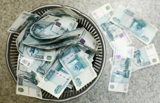 «Вместо стерляди к обеду сёмгу»: как сказался курс рубля на петербуржцах