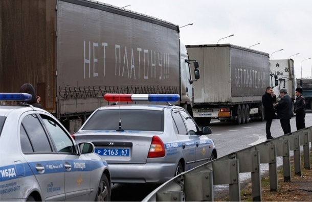 Вишневский требует у главы Росавтодора выдать дальнобойщикам транспондеры