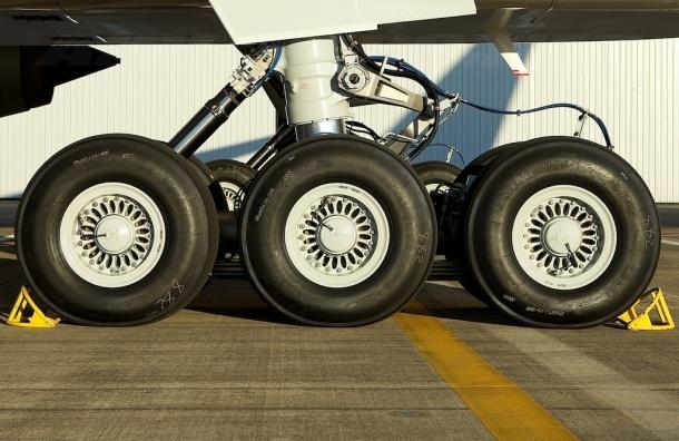 Труп человека нашли в шасси Boeing 777 в аэропорту Парижа
