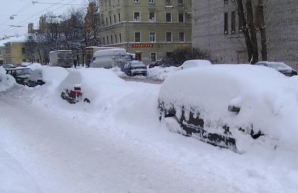 Снегопады вновь обрушатся на Петербург во вторник и среду