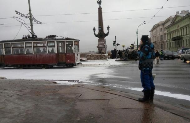 Троицкий мост перекрыли из-за съемок фильма о блокадном Ленинграде