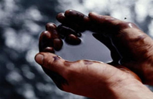 Нефть бьет антирекорды: цена за баррель упала $31