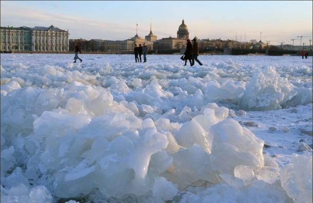 Сильный ветер ждут в Петербурге в ближайшие часы
