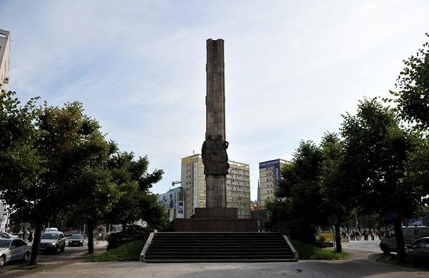 МИД РФ выразил Польше протест из-за осквернения советского памятника
