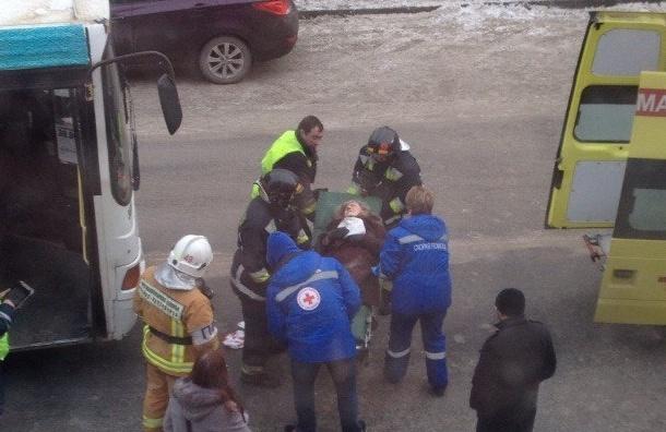 Пенсионерку сбил автобус в Пушкине