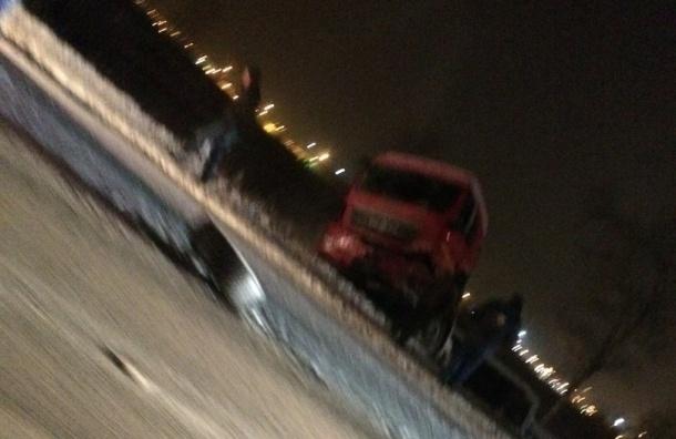 Авария с четырьмя погибшими произошла в Петербурге на Московском шоссе