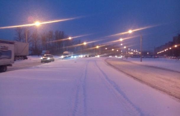 Читатели: снег на городских улицах убирают плохо