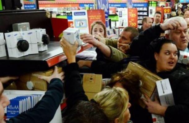 Россияне вновь скупают технику из-за обвала рубля